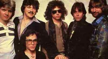 was the band toto really named after dorothy�s dog toto