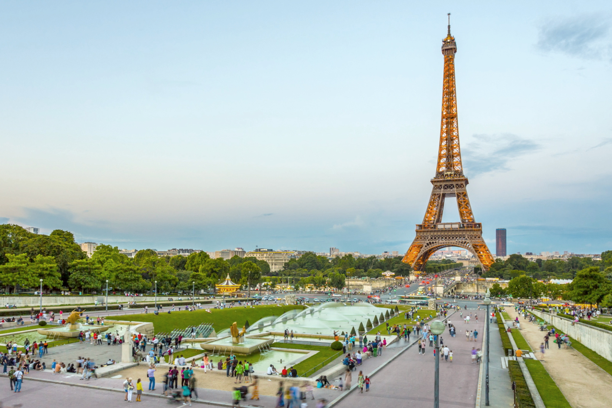How The French Navy Saved The Eiffel Tower From Destruction