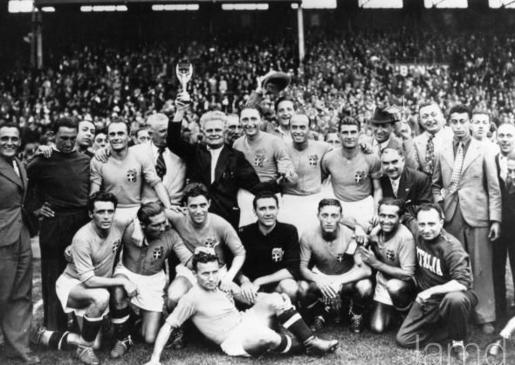 Did Benito Mussolini Threaten the Italian National Team With Death if They  Lost the 1938 World Cup?
