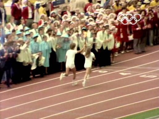 1976-olympic-torch-relay-cauldron-lighting